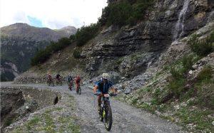 I bike trekker non si sono fatti scoraggiare dal tempo inclemente