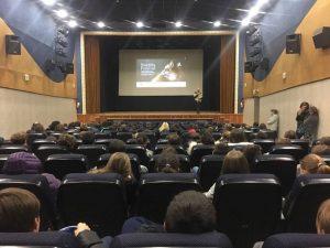 FuoriFestival: il bellissimo documentario sulla bioluminescenza è stato presentato alle scuole della provincia